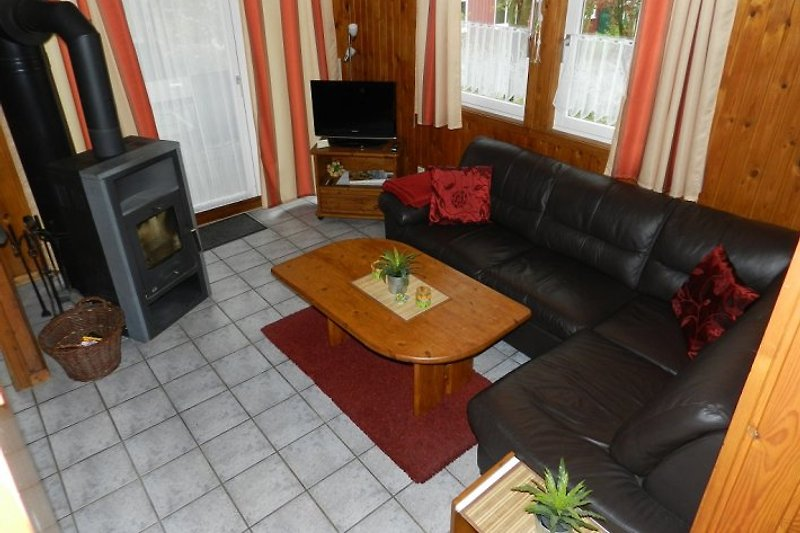 Ferienhaus rosi kaminofen sauna ferienhaus in extertal - Kaminofen wohnzimmer ...