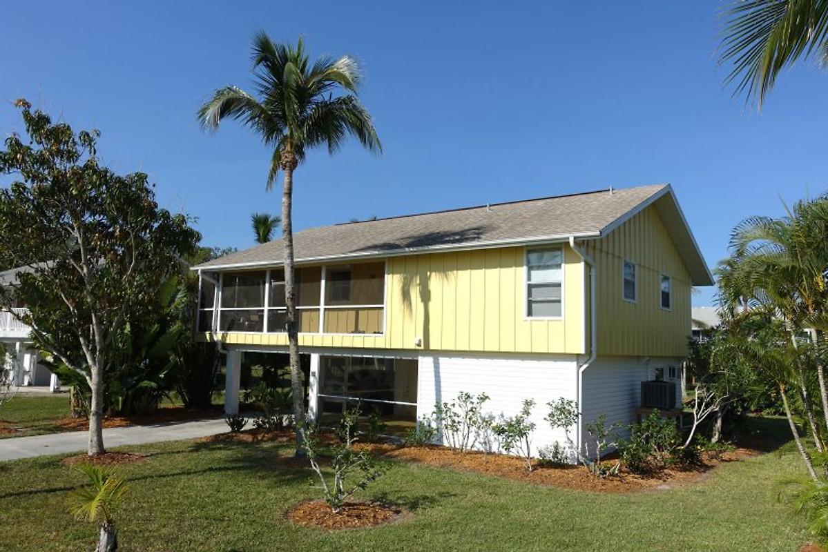 villa hickory island ferienhaus in bonita beach mieten. Black Bedroom Furniture Sets. Home Design Ideas