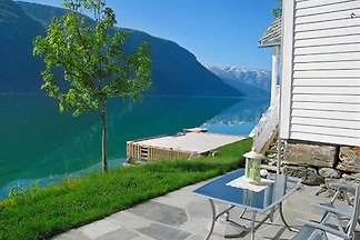 Ein romantisches Urlaubparadis ganz am unberyhrter Osafjord,eine Seitearm von hardagerfjord in innern Hardanger.