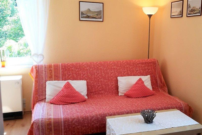 Wohnziimmer mit Sitzecke und separatem Essplatz