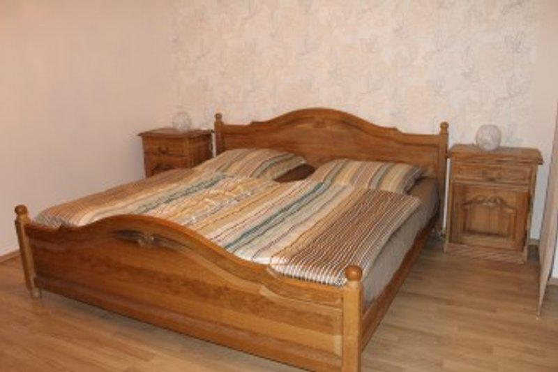 Schlafzimmer 200x200
