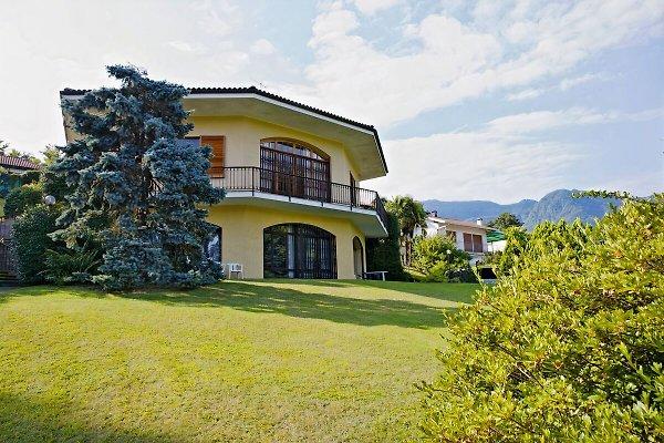 Villa Panorama Nos. 1 y 2 en Porto Valtravaglia - imágen 1