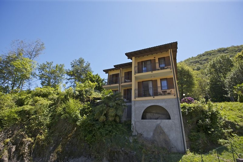 4-Parteien-Haus 'Casa Romantica'