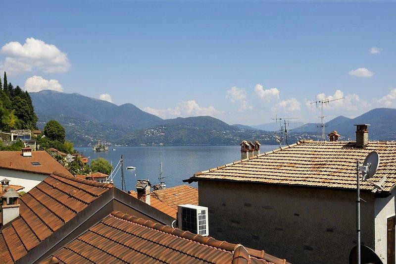 Fantastischer Sicht auf Cannero auf den See