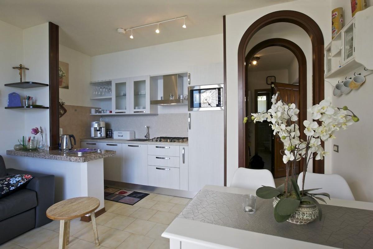 appartamenti vista da sogno nr 03 ferienwohnung in pino sulla sponda del lago maggiore mieten. Black Bedroom Furniture Sets. Home Design Ideas