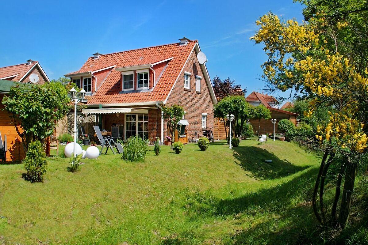 ferienhaus gesine ferienhaus in aurich mieten. Black Bedroom Furniture Sets. Home Design Ideas