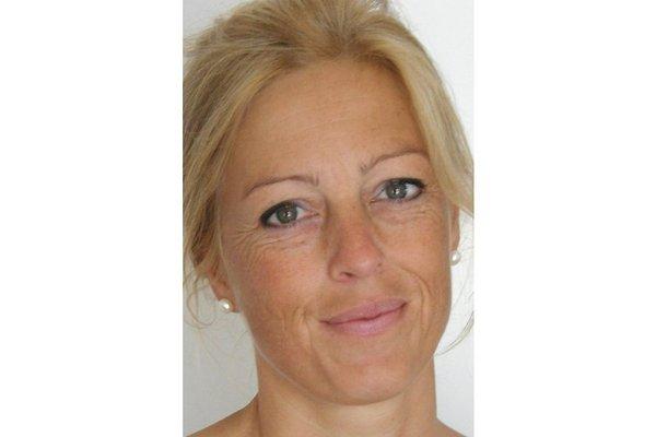 Frau A. Schols
