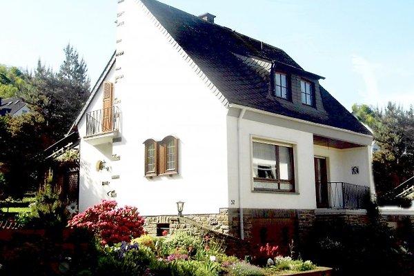 Ferienhaus Mosella à Oberfell - Image 1
