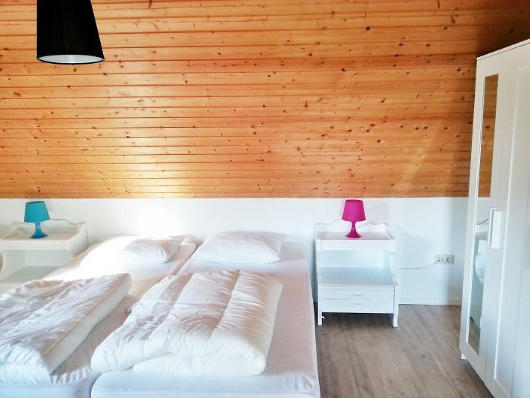 Ferienhaus in hallenberg ferienhaus in hallenberg mieten - Panoramabild schlafzimmer ...