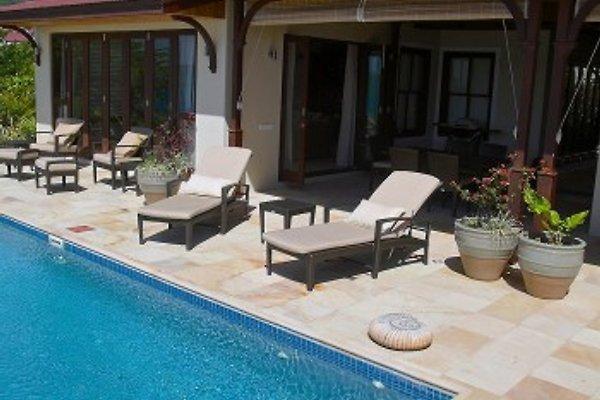 EdenView Villa en Eden Island Resort - imágen 1