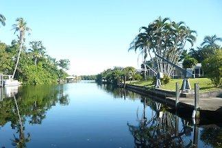 Villa Bahama am Wasser