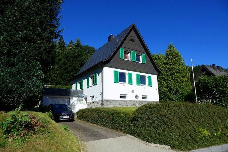 Familienhaus Brilon Wald mit Garage