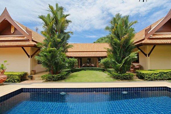 Villa Pimlada en Nai Harn -  1