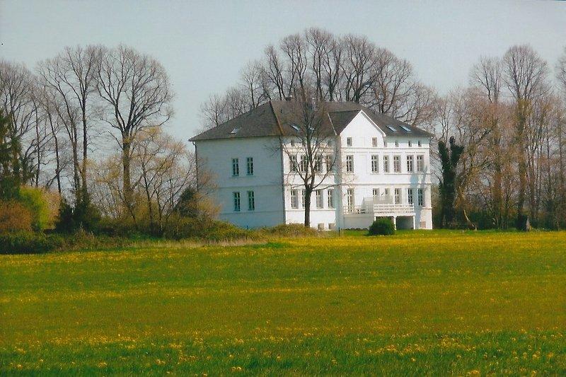 Außensicht Herrenhaus Blengow