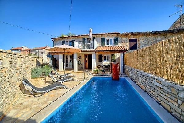 Villa Mareva Pool fur max 8 Pers. in Ližnjan - Bild 1