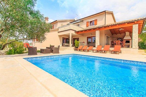 Luxus Villa mit Pool, 8 Personen in Svetvincenat - Bild 1