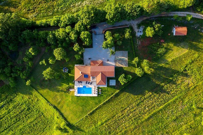 Villa Dream with Pool - wiibuk.com