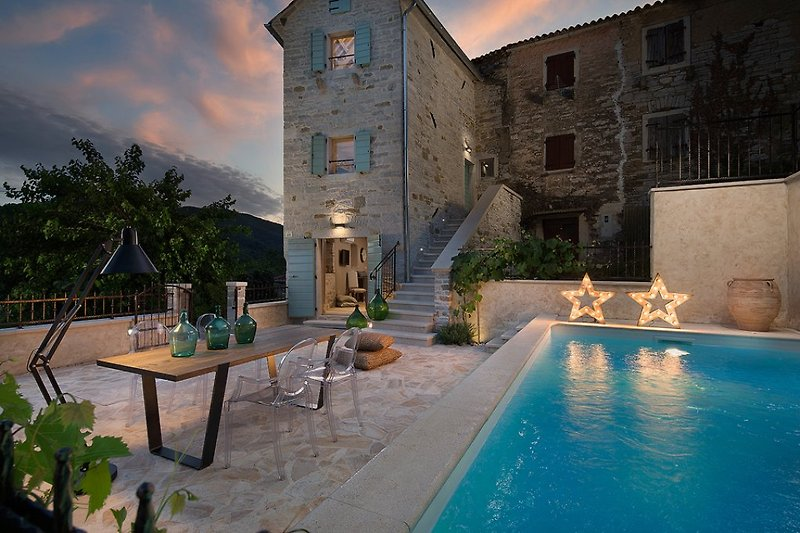 Villa Gradinje with pool in Buzet - wiibuk.com