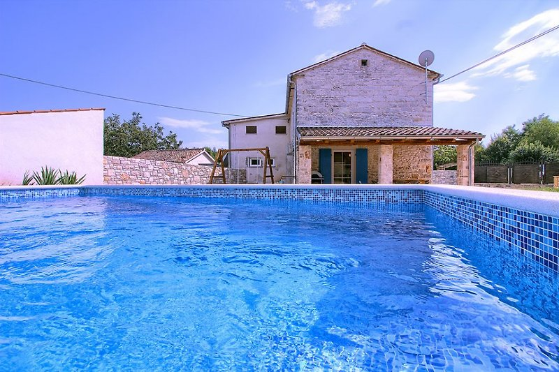 Villa Sasso mit pool in Istria - wiibuk.com
