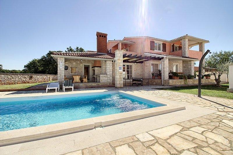 Villa Lavanda mit Pool in Barbariga- wiibuk.com