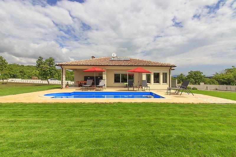 Villa Galadriel with Pool near Labin - wiibuk.com