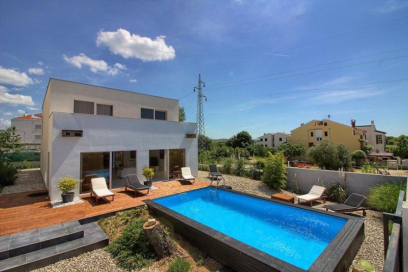 Villa Brigita mit Pool
