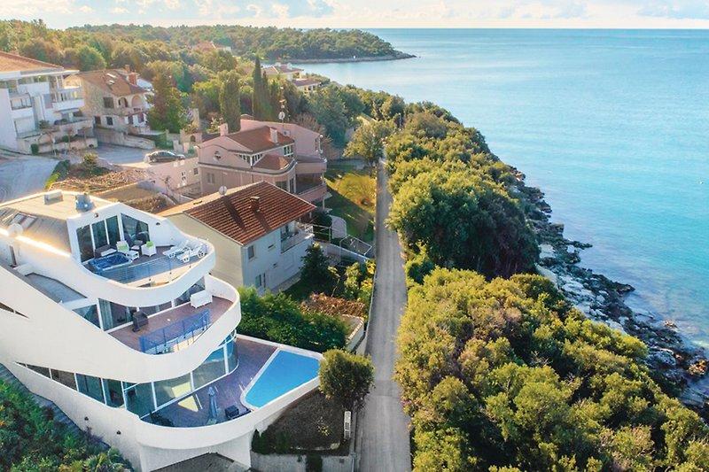 Villa Maria mit pool in Pješčana uvala - wiibuk.com