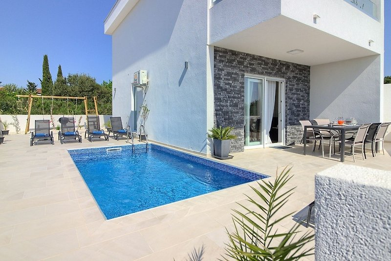 Villa White Memory with pools in Medulin - Wiibuk.com