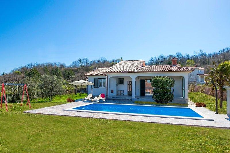 Villa Amaryllis mit pool in Labin  - wiibuk.com