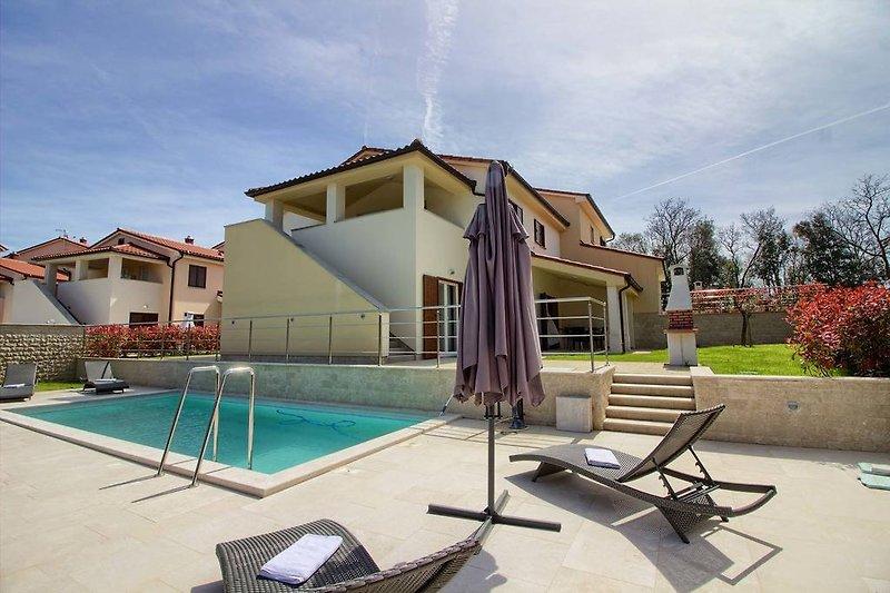 Villa Mar mit pool in Banjole - wiibuk.com