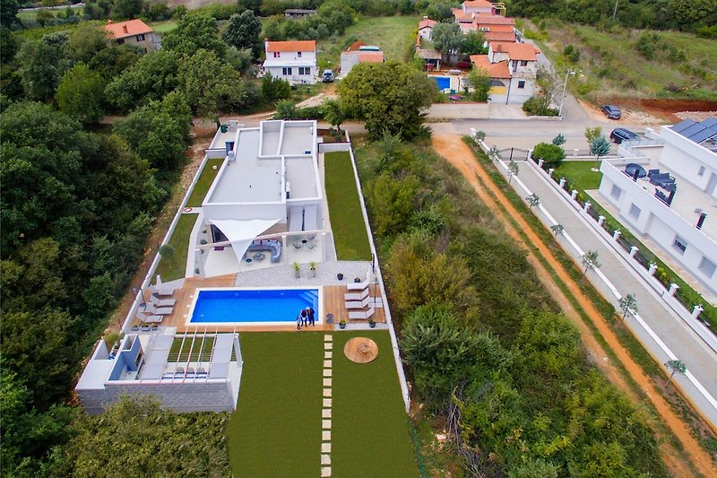 Villa Maell with pool in Medulin - wiibuk.com