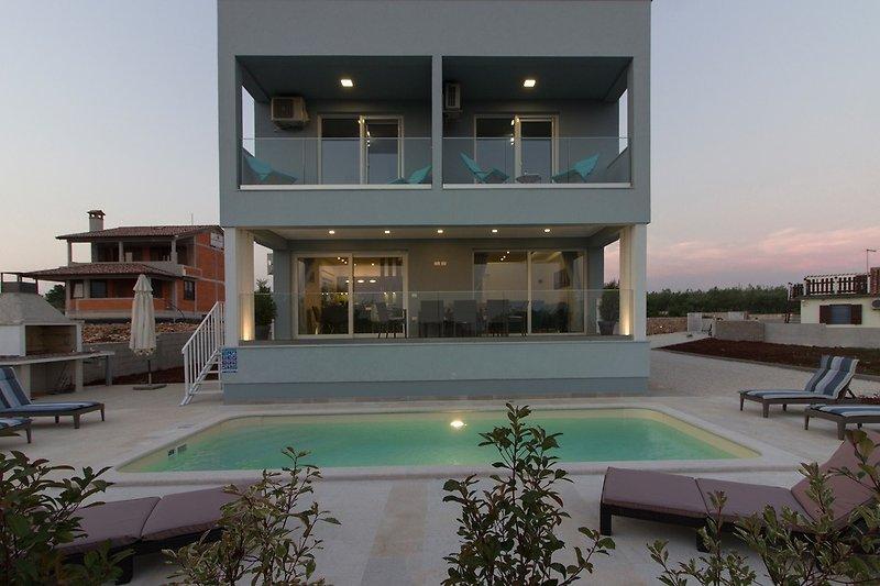 Villa mit pool and sea view in Fazana - wiibuk.com