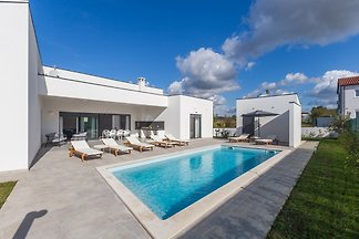 Neue moderne vila Mateo in Fazana