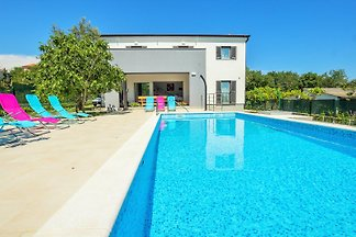 Villa 900m from the beach, 8 pers.