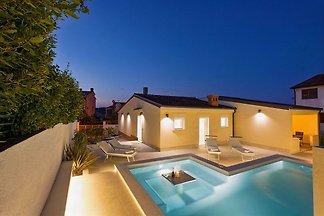 Villa bis 8 Pers. 500m vom Strand
