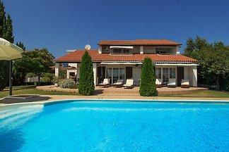 Villa mit Pool  Nahe Porec, 8 Pers.