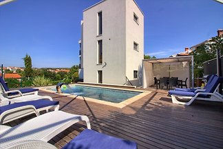 Villa with sea view, 30m beach