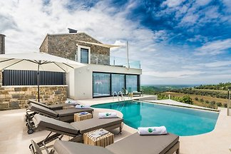 Villa Monte with pool,sauna,jacuzzi