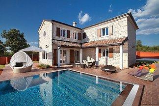 Villa Luxoria, heated pool, max 10