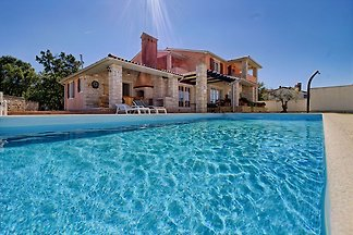Villa Lavanda with pool, for 9 pers