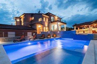 Villa Maxima,Whirpool,Sauna,Jacuzzi