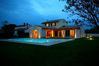 Villa Anita with pool, beach 3km