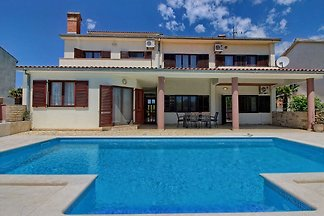 Villa Komel, private pool, max 8 pe