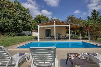 Villa Nezakcij mit privatem Pool