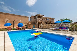 Villa Sole with pool for 8 persons