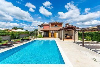 Villa Irena with private pool