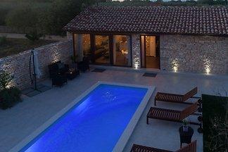 Steinvilla Pietra mit Pool, Jacuzzi