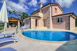 Villa Contessa mit Pool, 4km Strand