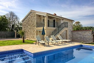 Villa Lenny with private pool