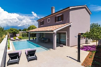 Wunderbar Villa Roma mit Pool, Pula